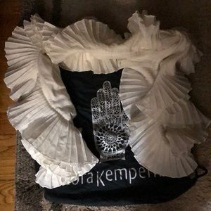 NWB  Cora Kemperman ruffle scarf - so beautiful am